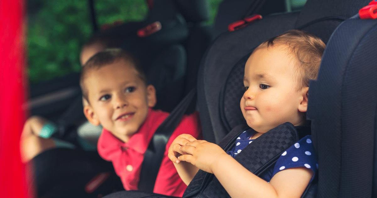 Come agganciare il seggiolino auto: la guida completa
